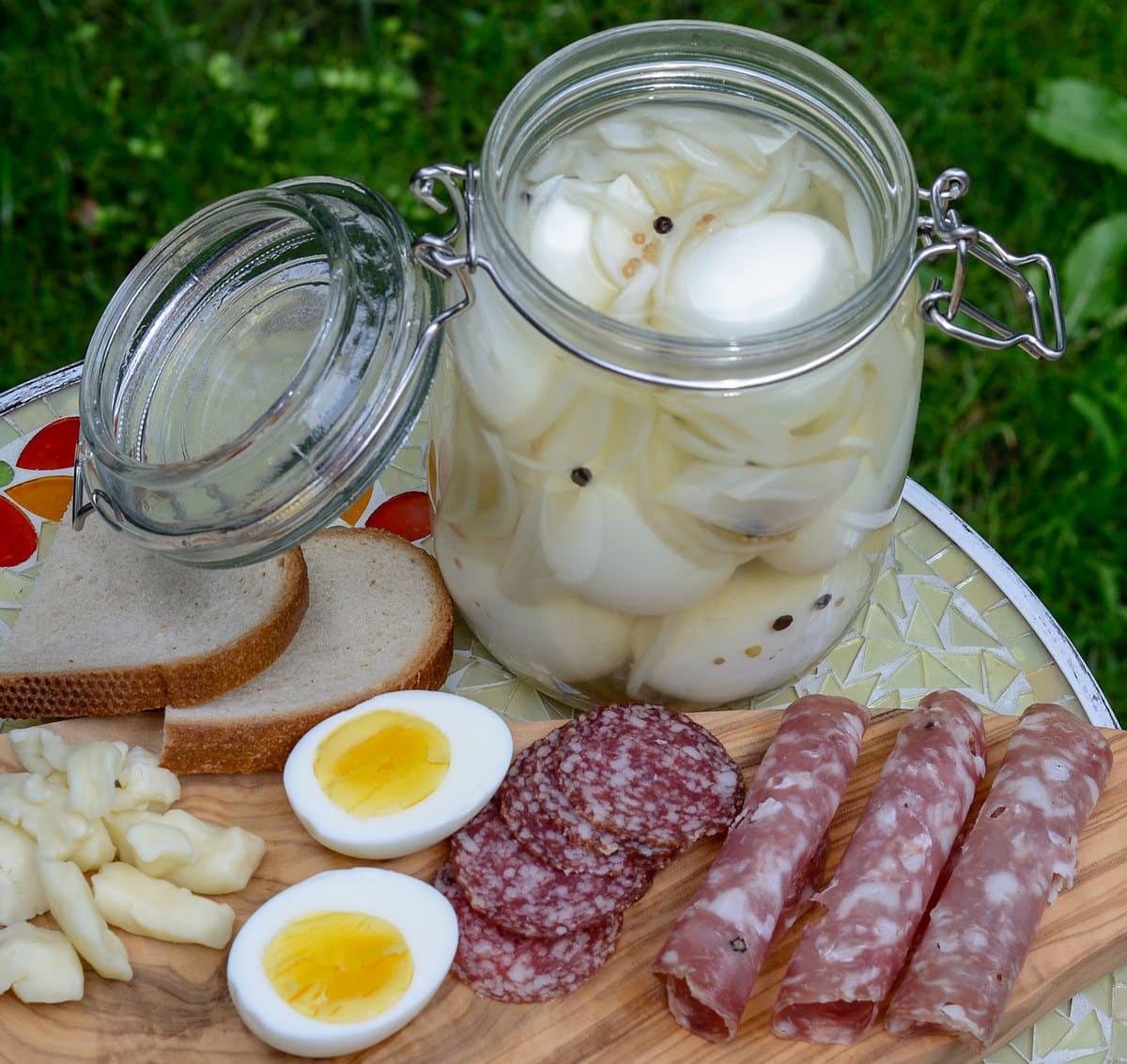 Куриные маринованные яйца — условия хранения  Куриные маринованные яйца — условия хранения marinovanye yaitsa kak hranit